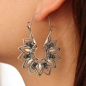 ‼️3 for 20$‼️Mandala Flower Earrings